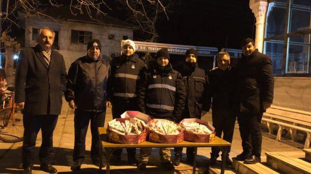 Muratlı Belediyesi Kandil Şekeri Dağıttı