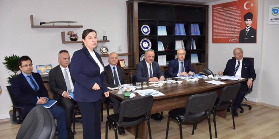 Başkan Albayrak Büyükşehir ve TESKİ'de Brifing Toplantılarına Katıldı